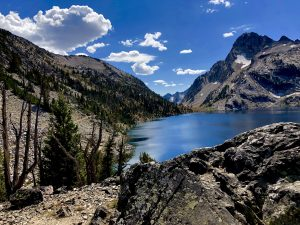 Read more about the article Hiking to Sawtooth Lake